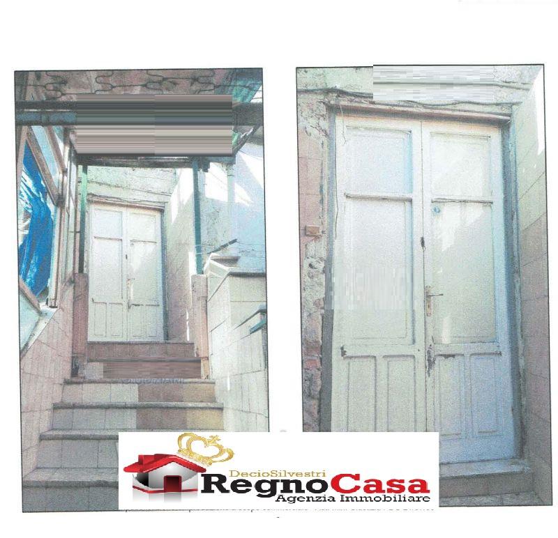 Appartamento in discrete condizioni in vendita Rif. 10498376