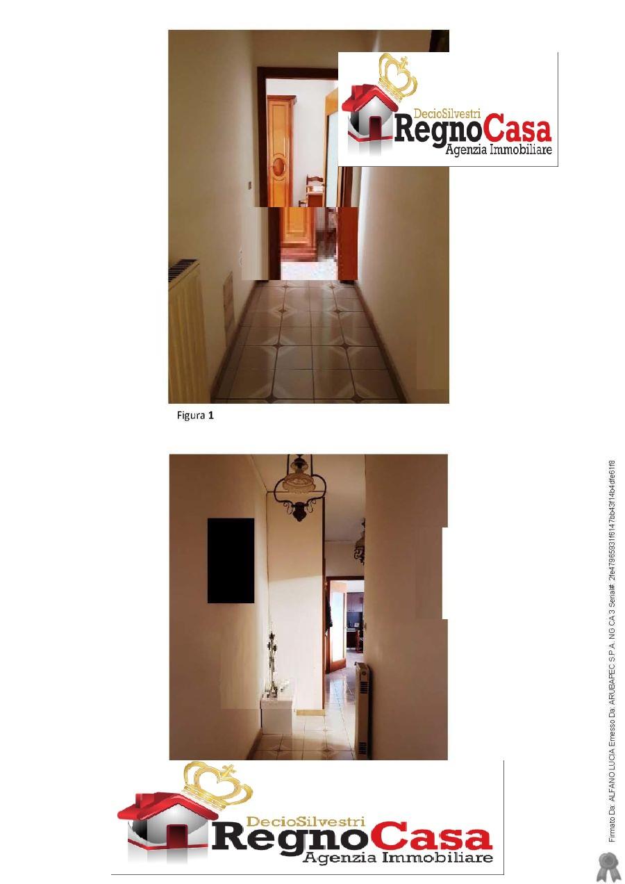 Appartamento in buone condizioni in vendita Rif. 10386600