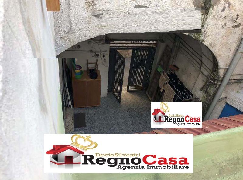 Appartamento da ristrutturare in vendita Rif. 11923906