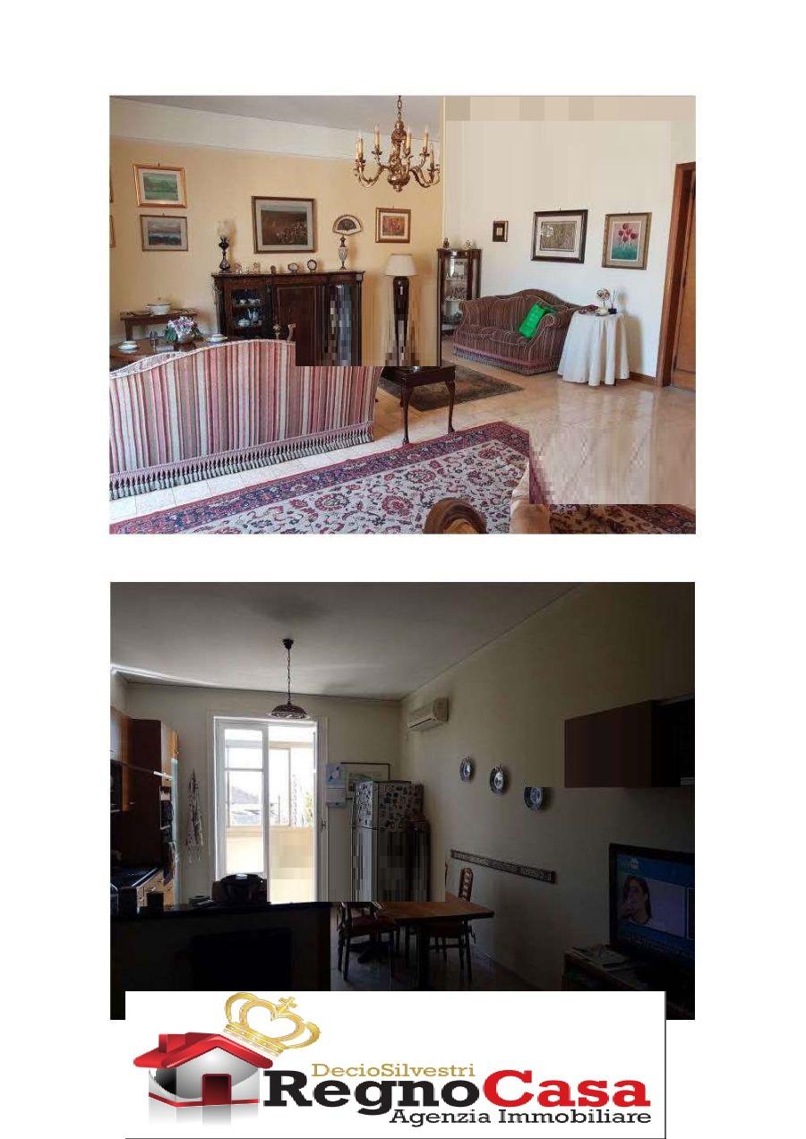 Appartamento in buone condizioni in vendita Rif. 10507787