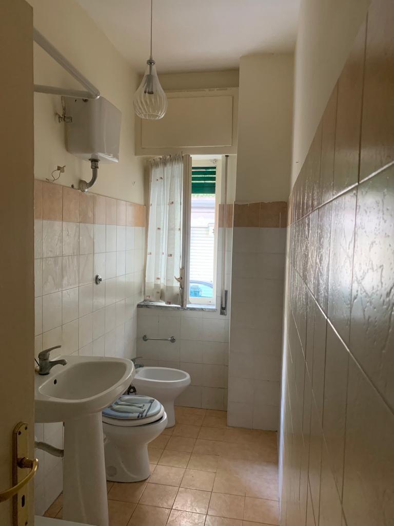 Appartamento da ristrutturare in affitto Rif. 11999723