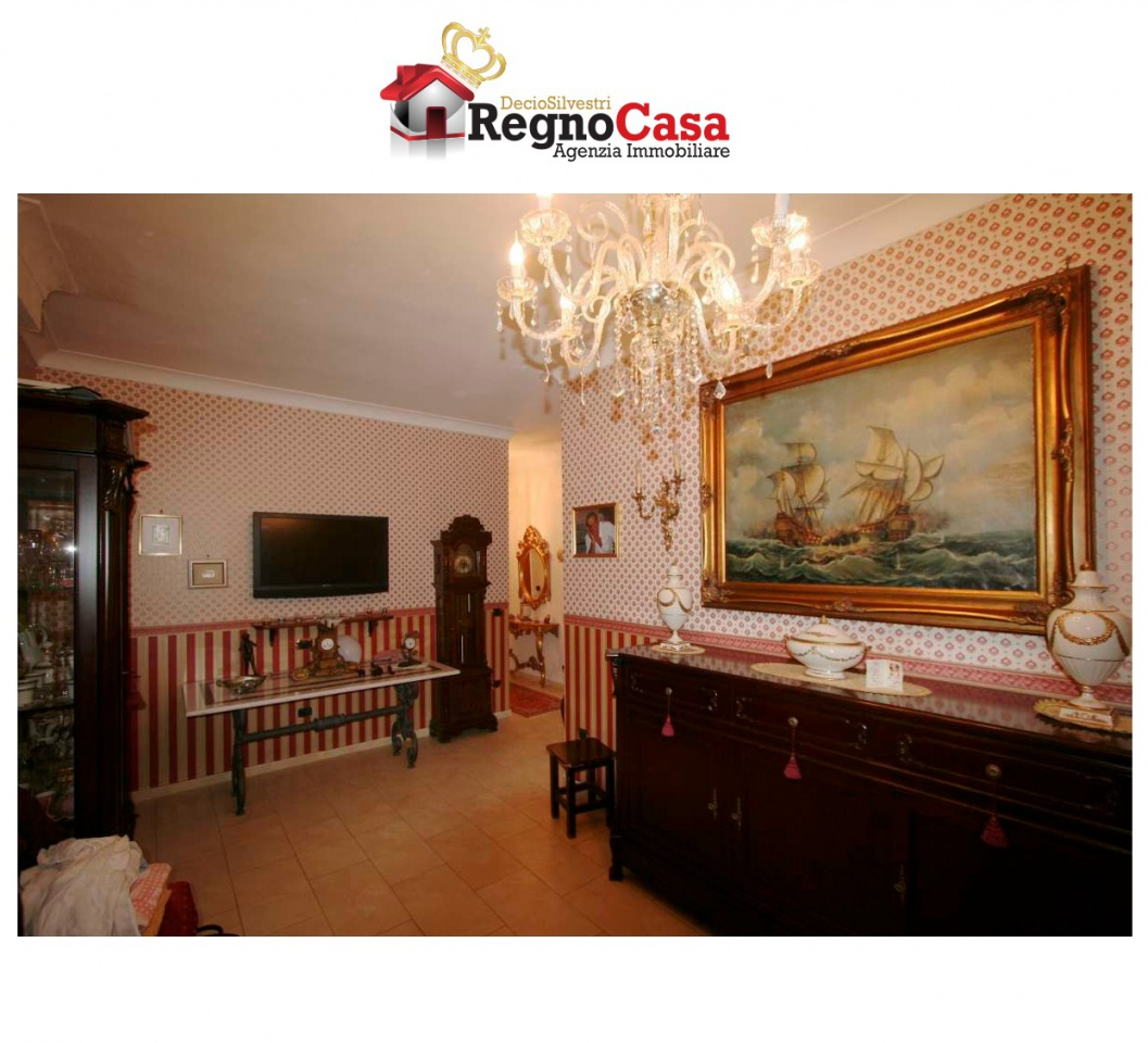 Appartamento NAPOLI 1819/2012 VIA VITTOR