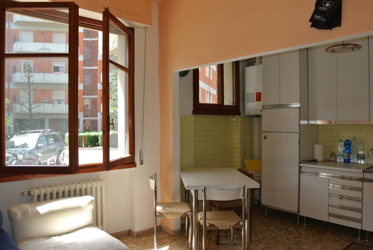 Appartamento in discrete condizioni in vendita Rif. 8969991