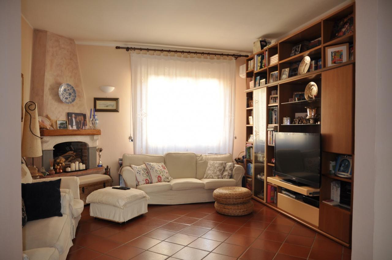 vendita appartamento impruneta tavarnuzze  275000 euro  4 locali  95 mq