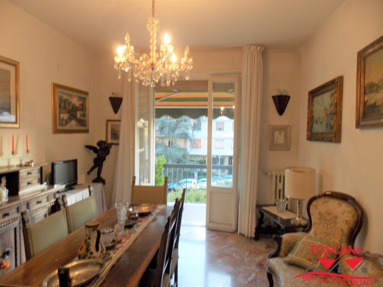 Appartamento in buone condizioni in vendita Rif. 11665286