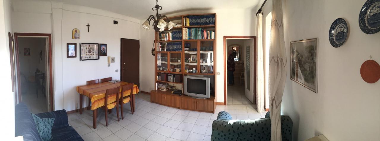 Appartamento in buone condizioni arredato in vendita Rif. 4802130
