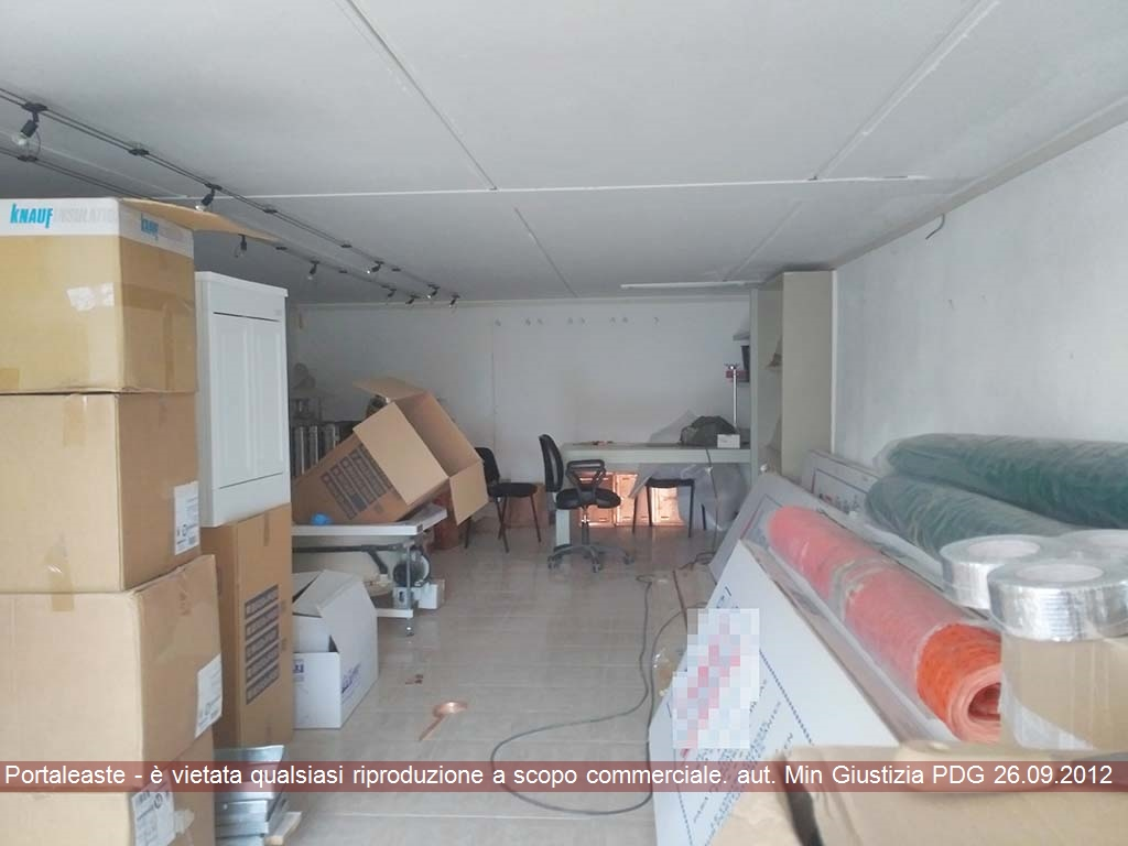 Magazzino - capannone in vendita Rif. 9870382