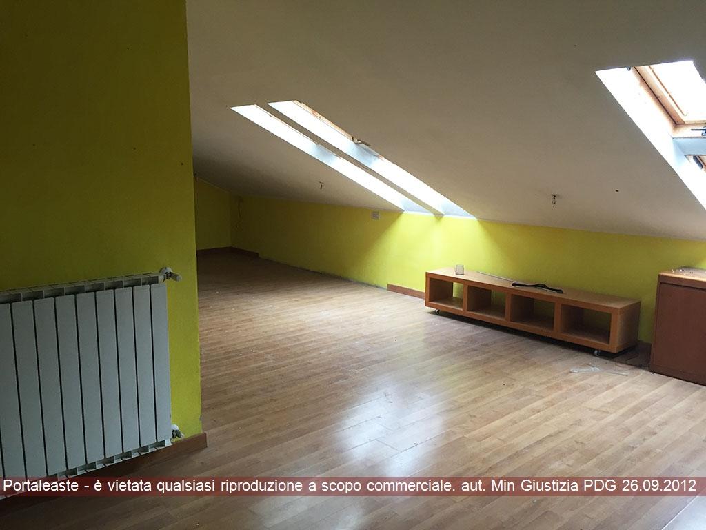Magazzino - capannone in vendita Rif. 9578446