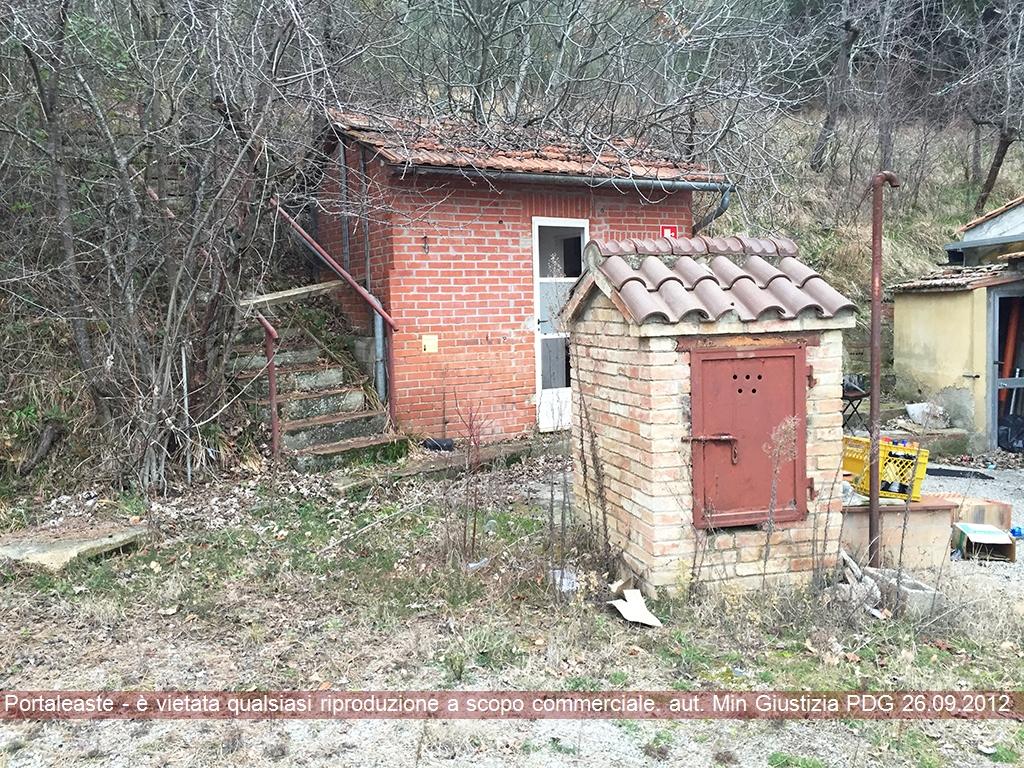 Magazzino - capannone in vendita Rif. 9870406