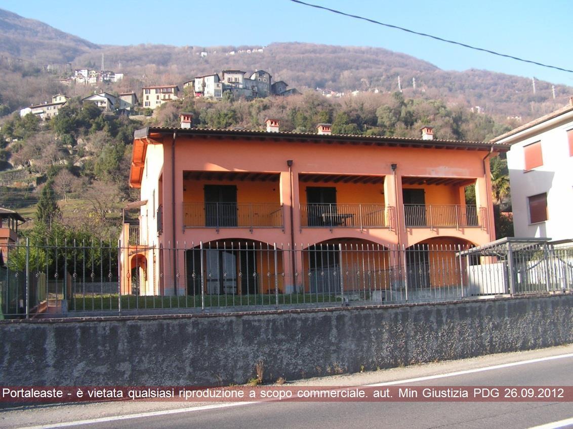 Appartamento trilocale in vendita a San Siro (CO)