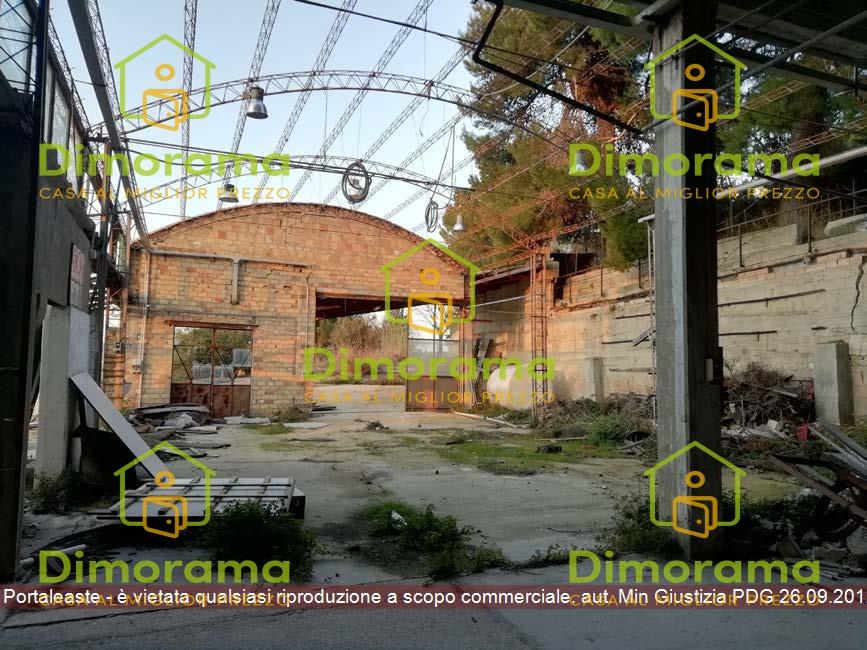 Locale Commerciale VACRI CH1327220