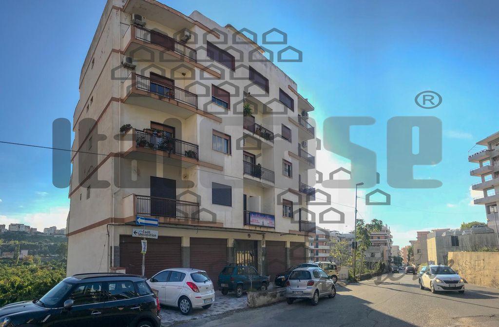 Negozio REGGIO CALABRIA VR15421