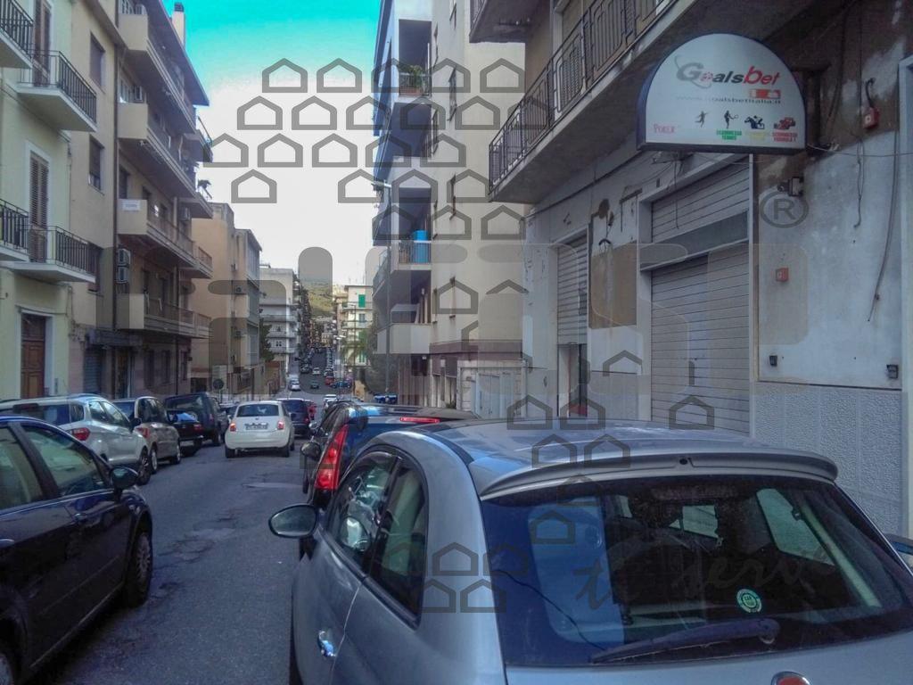 Locale Commerciale REGGIO CALABRIA LR15702