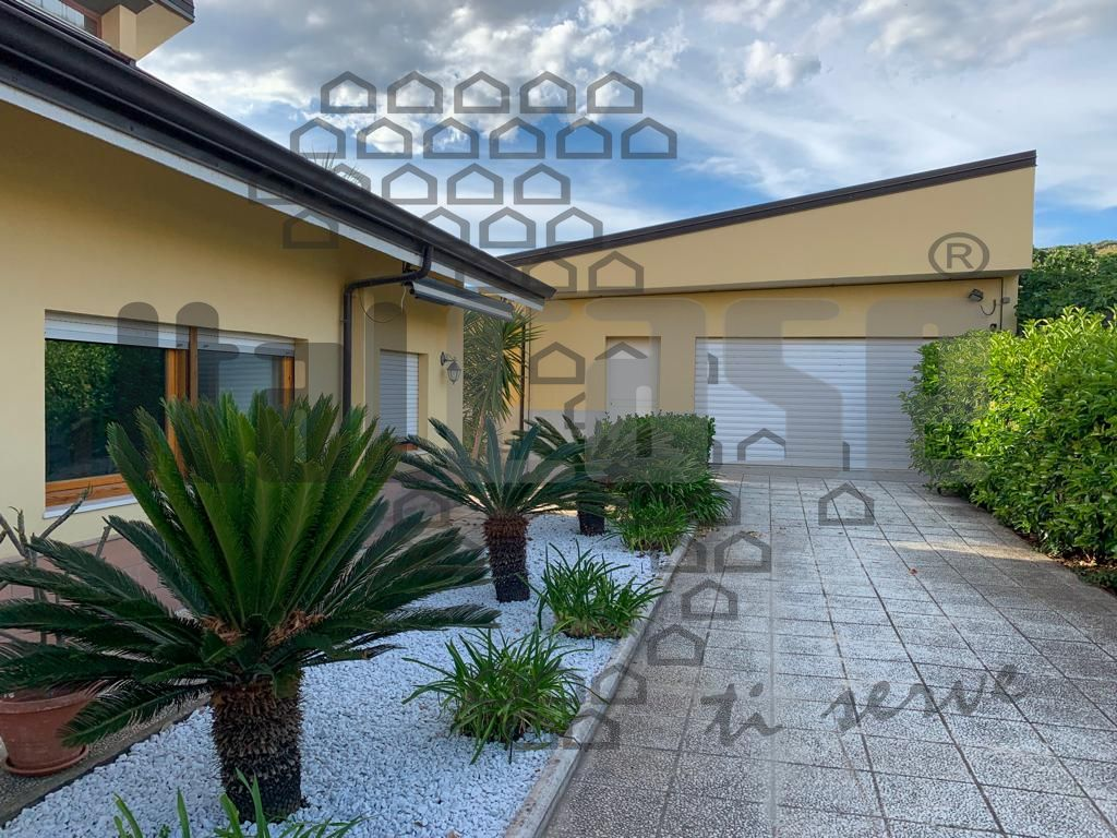 Villa singola in Vendita REGGIO CALABRIA