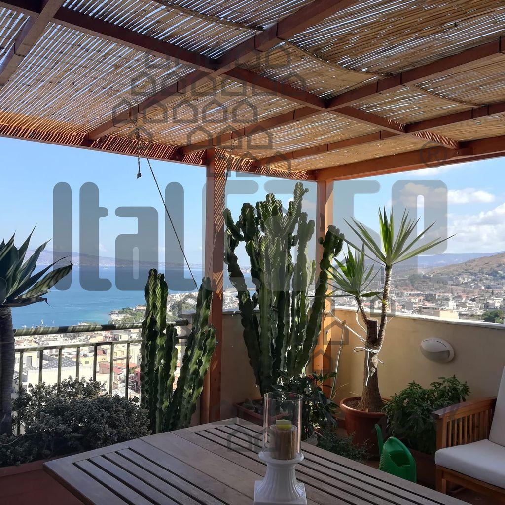 Appartamento in vendita a Reggio Calabria, 4 locali, Trattative riservate | CambioCasa.it