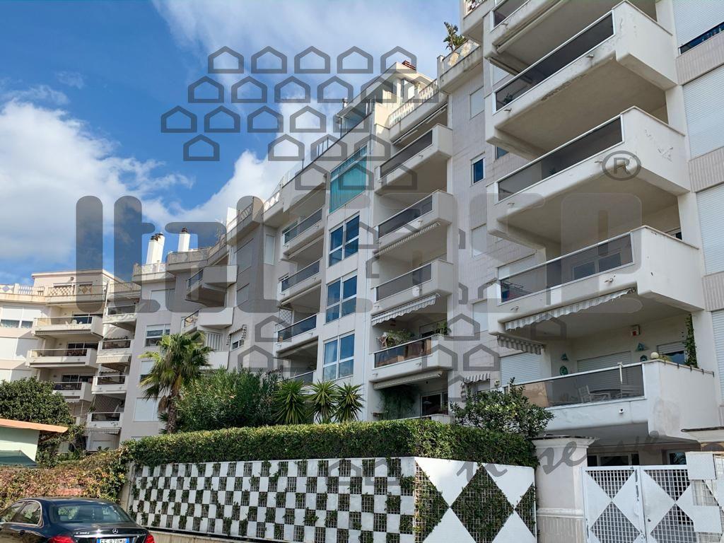 Appartamento in vendita a Reggio Calabria, 3 locali, prezzo € 330.000 | CambioCasa.it