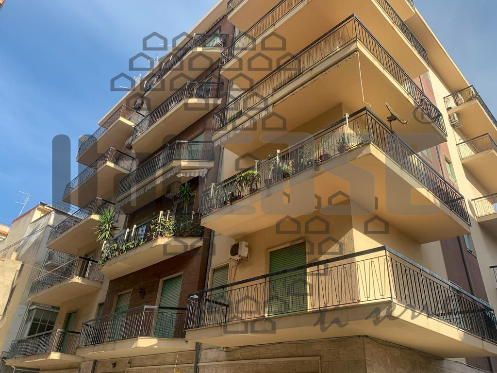 Appartamento in vendita a Reggio Calabria, 5 locali, prezzo € 135.000 | CambioCasa.it
