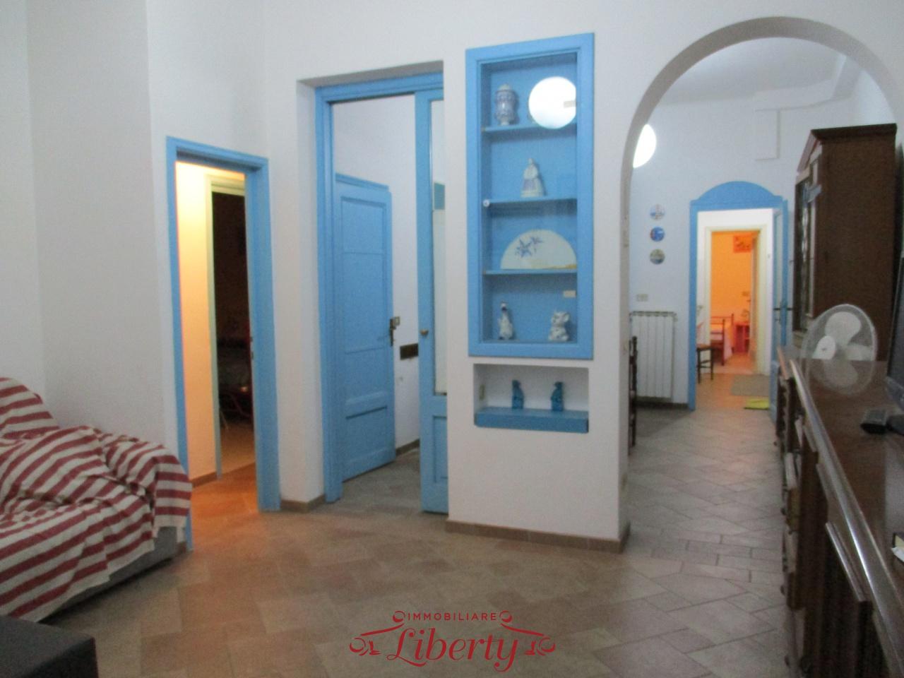 vendita appartamento viareggio centro mare  280000 euro  4 locali  80 mq
