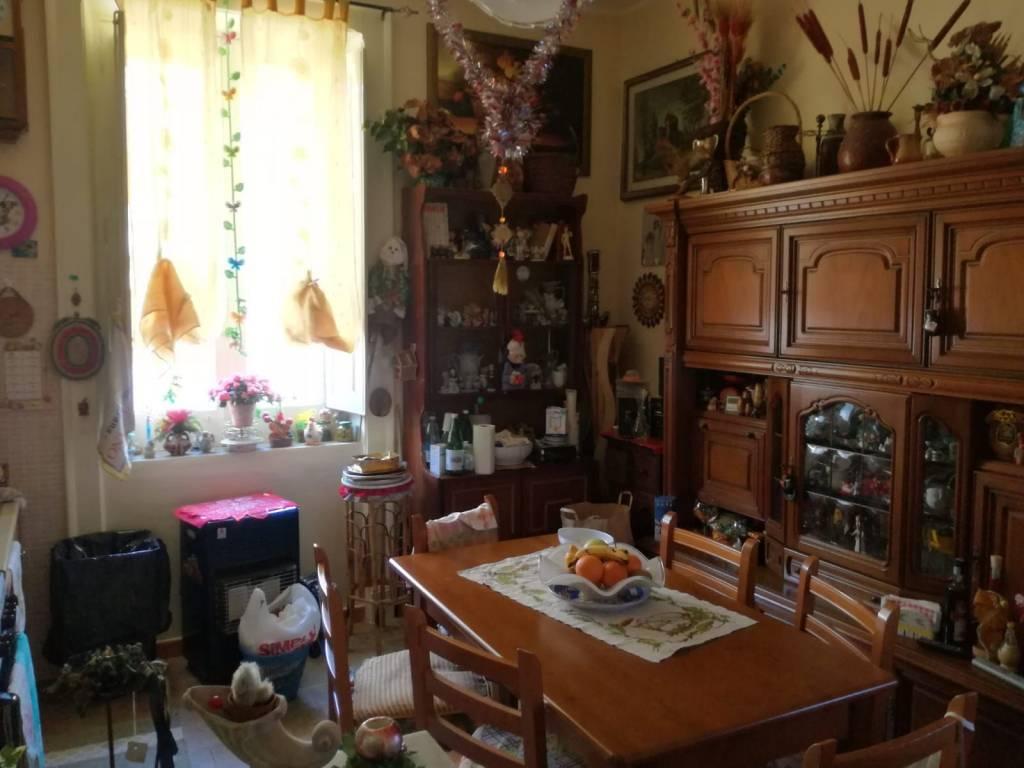 Appartamento in buone condizioni in affitto Rif. 10054883