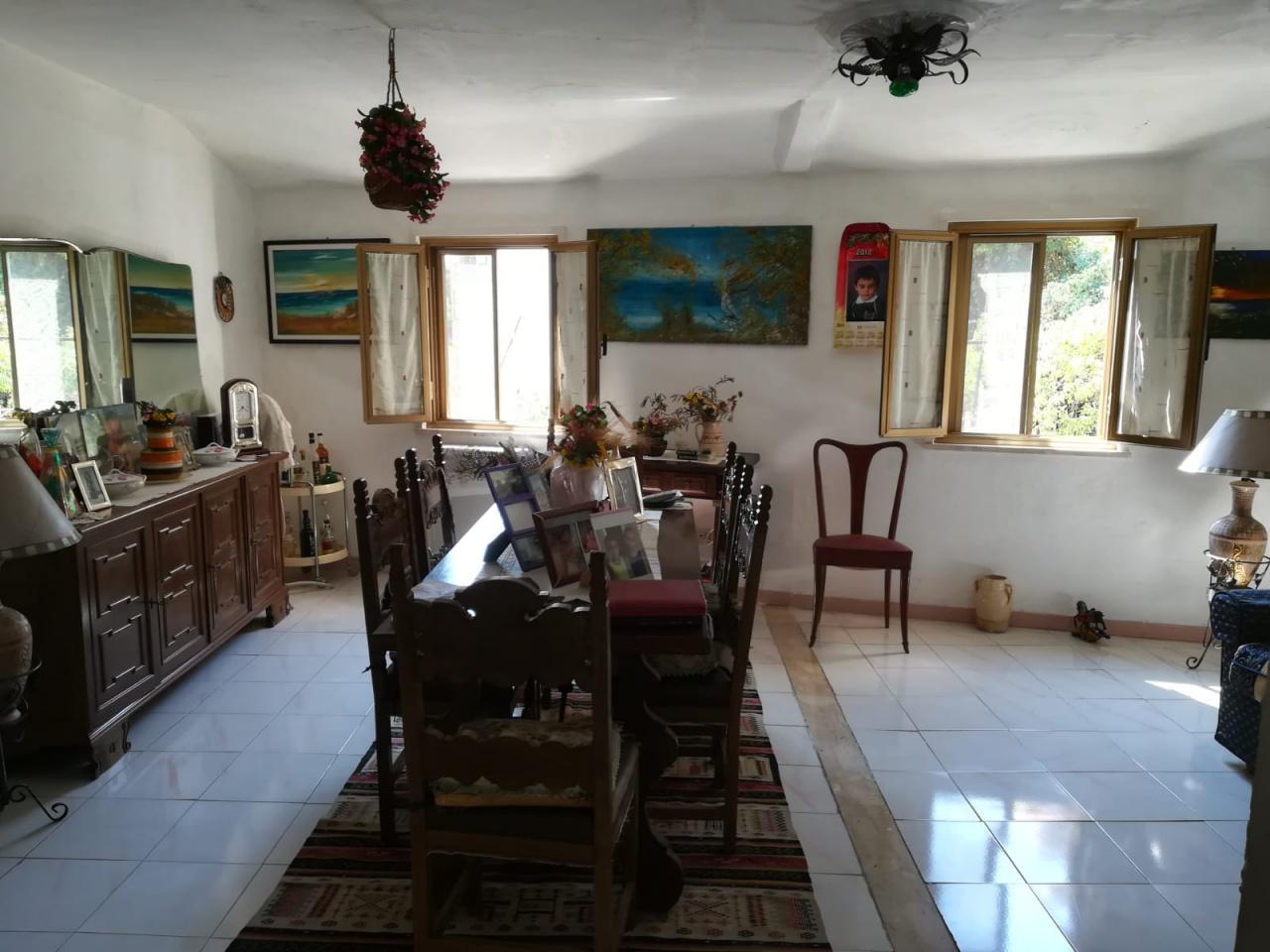 Casa Indipendente in buone condizioni in vendita Rif. 8014782