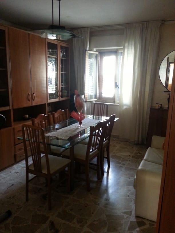 Appartamento da ristrutturare arredato in affitto Rif. 10070957