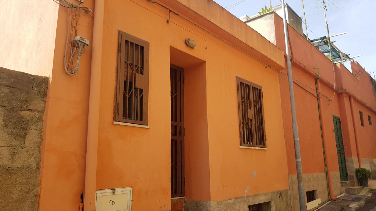 Casa Indipendente in buone condizioni in vendita Rif. 10090114