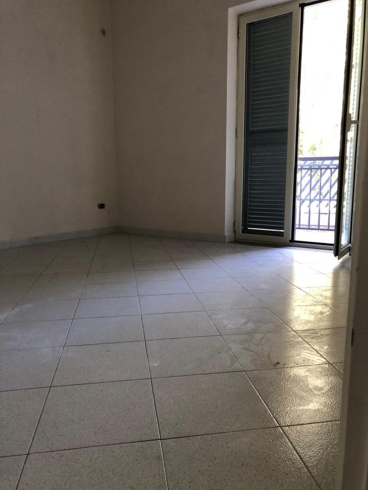 Appartamento in buone condizioni in affitto Rif. 7854652
