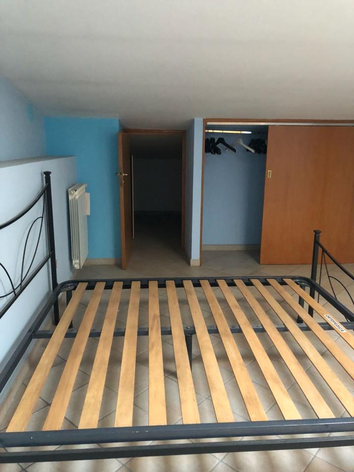 Appartamento in buone condizioni arredato in affitto Rif. 8280460