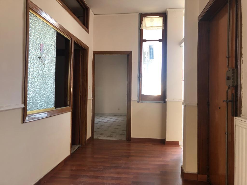 Appartamento in buone condizioni in affitto Rif. 9515009