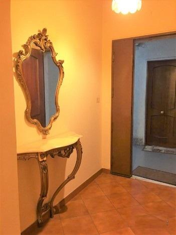 Appartamento in buone condizioni in affitto Rif. 9578543