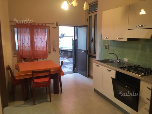 Appartamento in ottime condizioni arredato in affitto Rif. 9637946