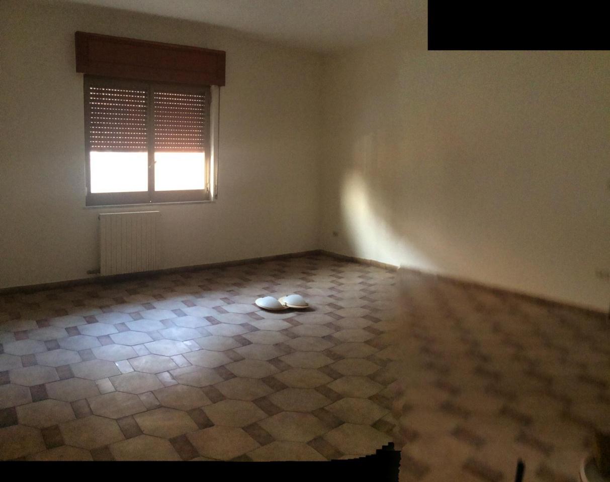 Appartamento in buone condizioni in affitto Rif. 9637942