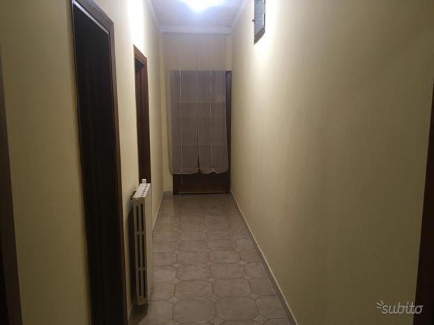 Appartamento in buone condizioni arredato in affitto Rif. 9659845