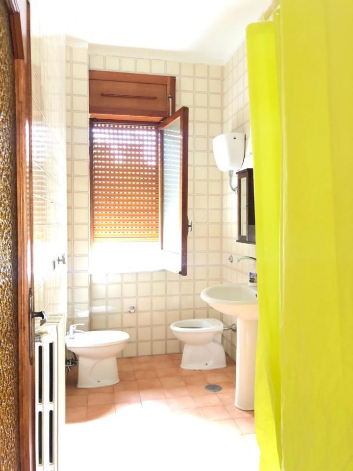 Appartamento in buone condizioni in affitto Rif. 9997566