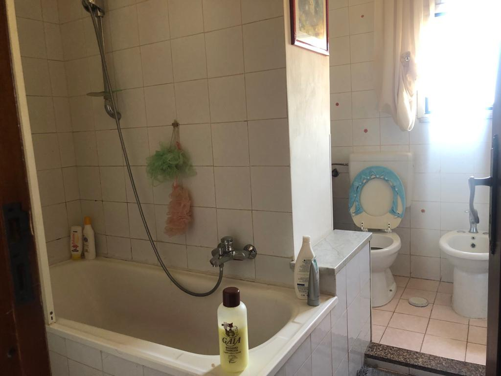 Appartamento in buone condizioni in affitto Rif. 10338358