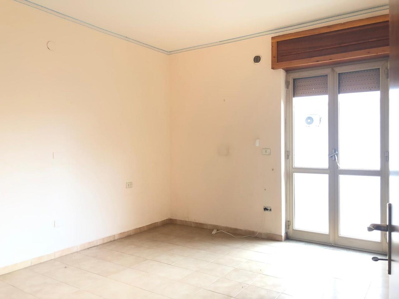 Appartamento in buone condizioni in affitto Rif. 10345465