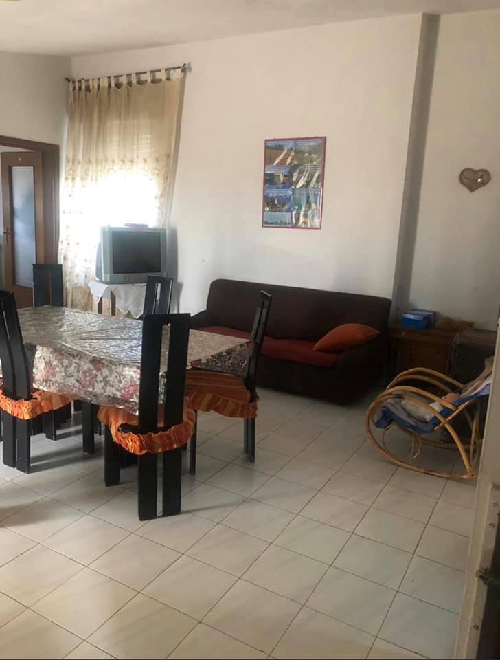 Appartamento in buone condizioni in vendita Rif. 11947687