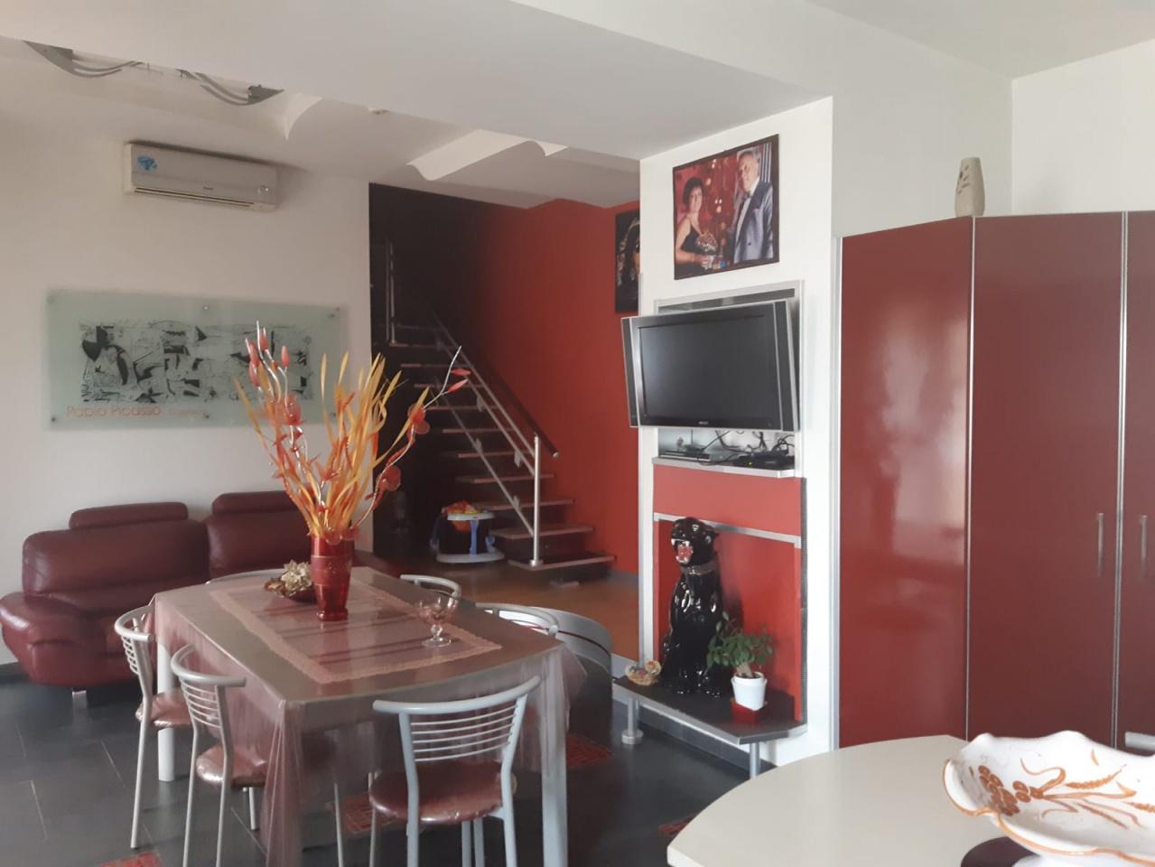 Appartamento in vendita a Marigliano, 6 locali, prezzo € 180.000 | PortaleAgenzieImmobiliari.it