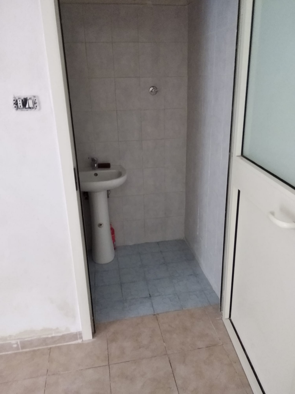 Locale commerciale monolocale in affitto a Pomigliano d'Arco (NA)