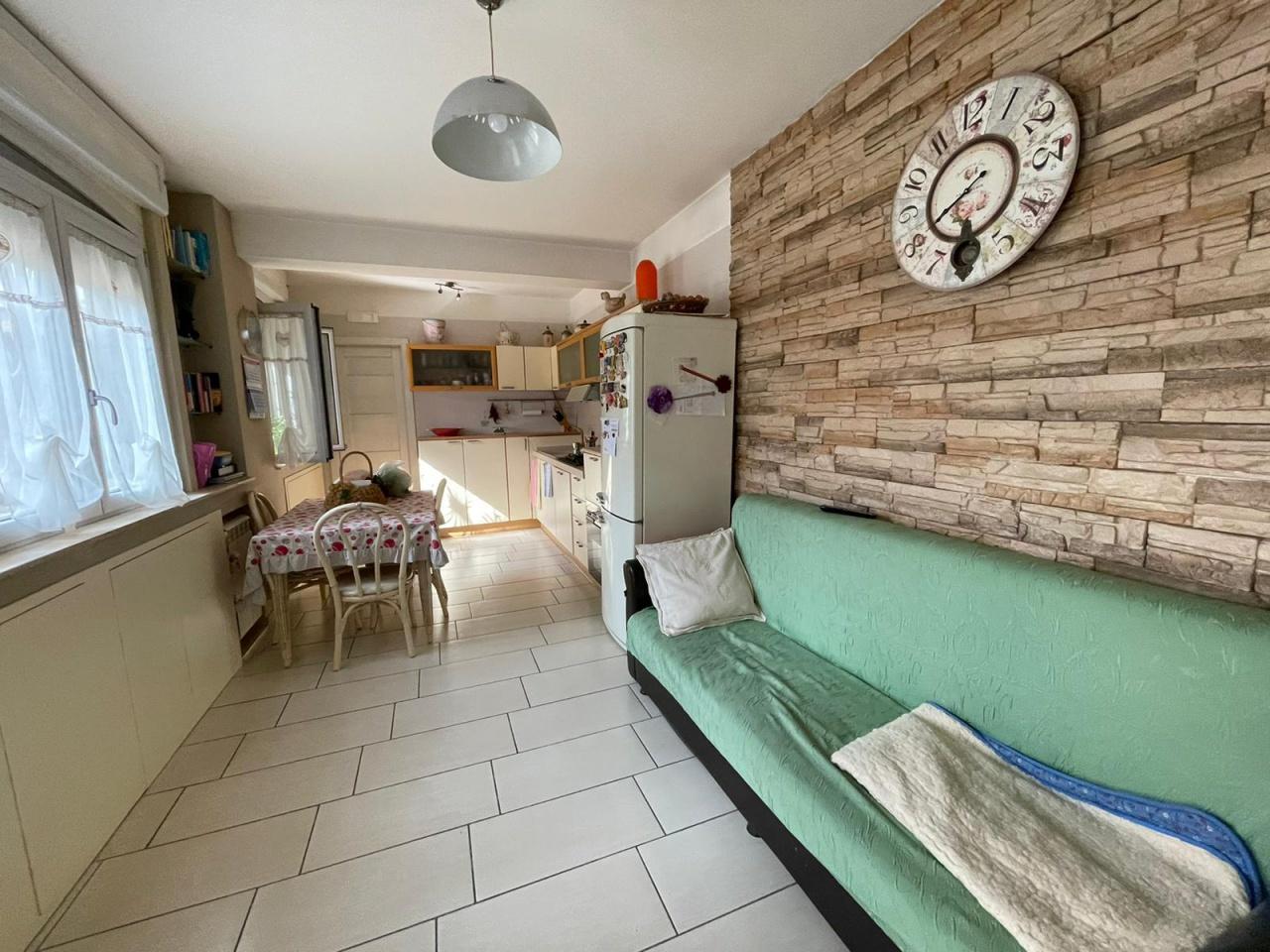 Appartamento in vendita a Castello di Cisterna, 4 locali, prezzo € 215.000 | PortaleAgenzieImmobiliari.it