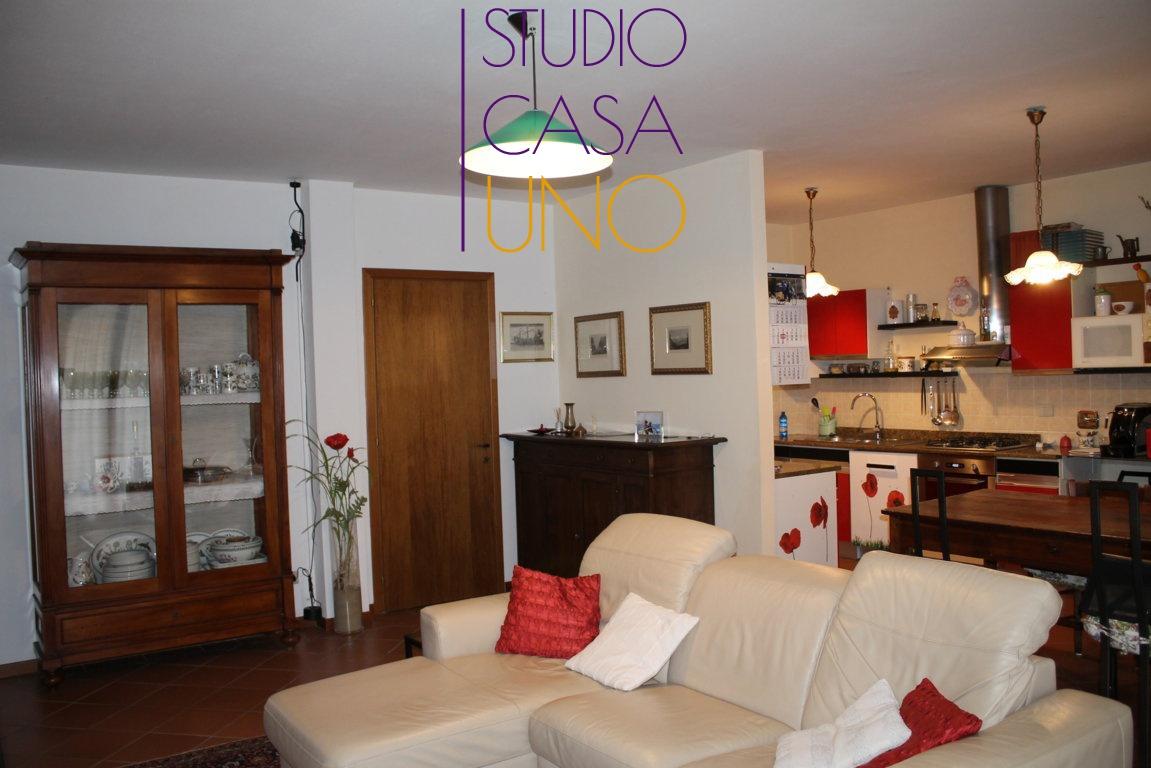 Appartamento in buone condizioni in vendita Rif. 8753914