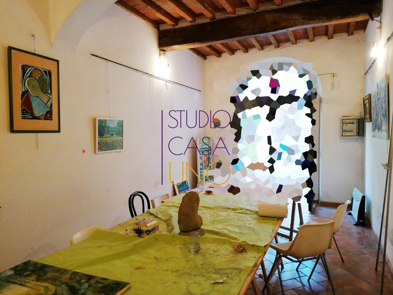 Negozio / Locale in affitto a Montevarchi, 3 locali, prezzo € 600   CambioCasa.it