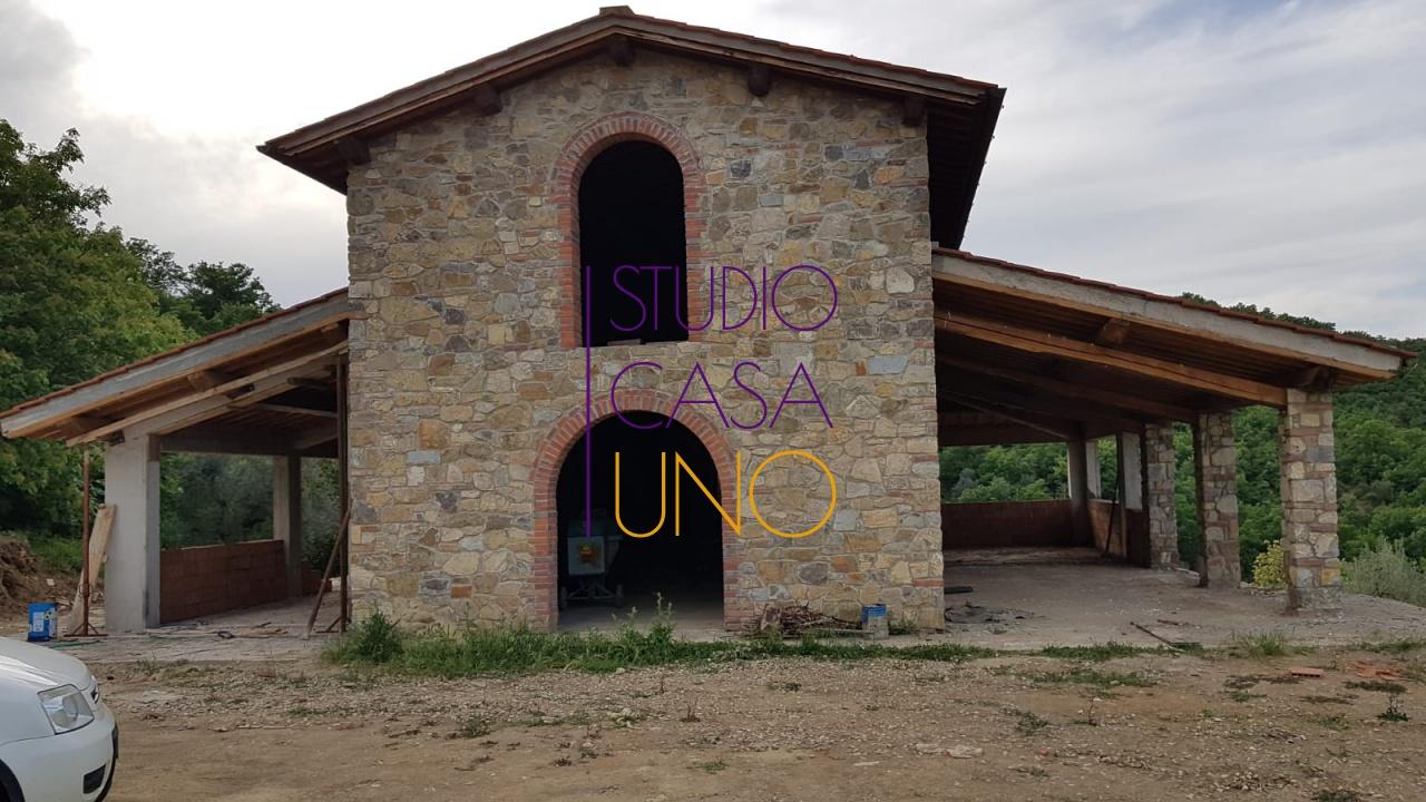 Rustico / Casale in vendita a Bucine, 1 locali, prezzo € 450.000 | CambioCasa.it