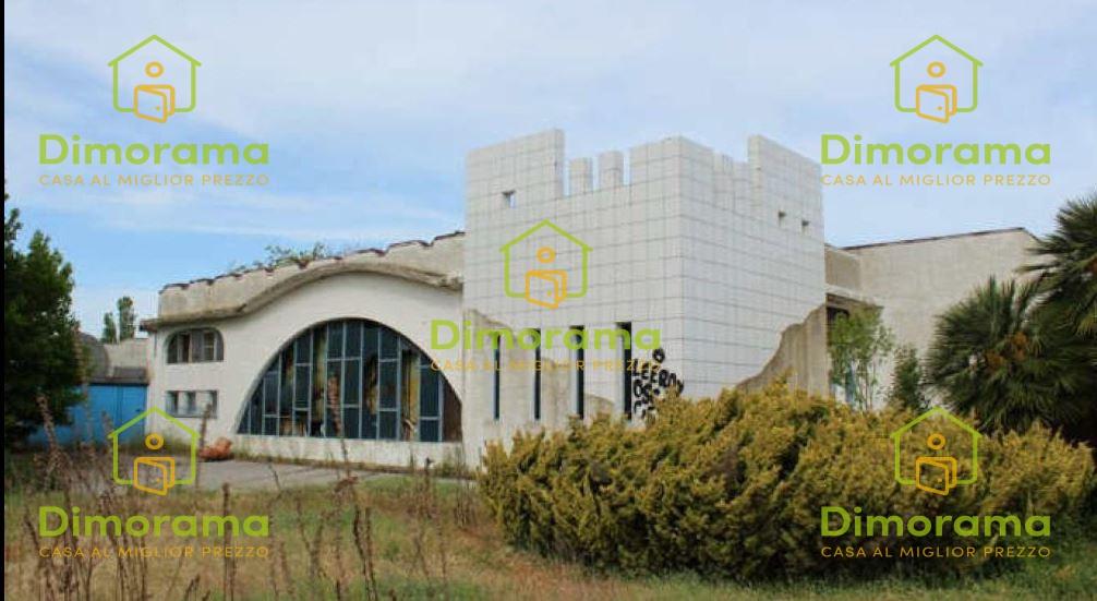 Immobile commerciale in vendita a Comacchio (FE)