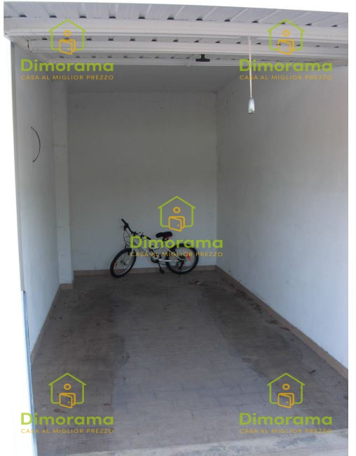 Box e posti auto in vendita Rif. 11593830