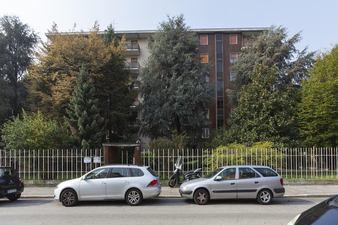 Appartamento in Vendita a Milano 30 Niguarda / Bovisasca / Testi / Bruzzano / Affori / Comasina:  5 locali, 245 mq  - Foto 1