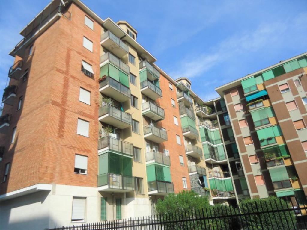 Appartamento in discrete condizioni in vendita Rif. 11656650