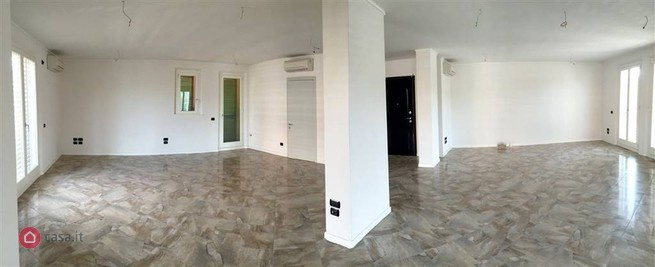Ufficio ristrutturato in affitto Rif. 9846559