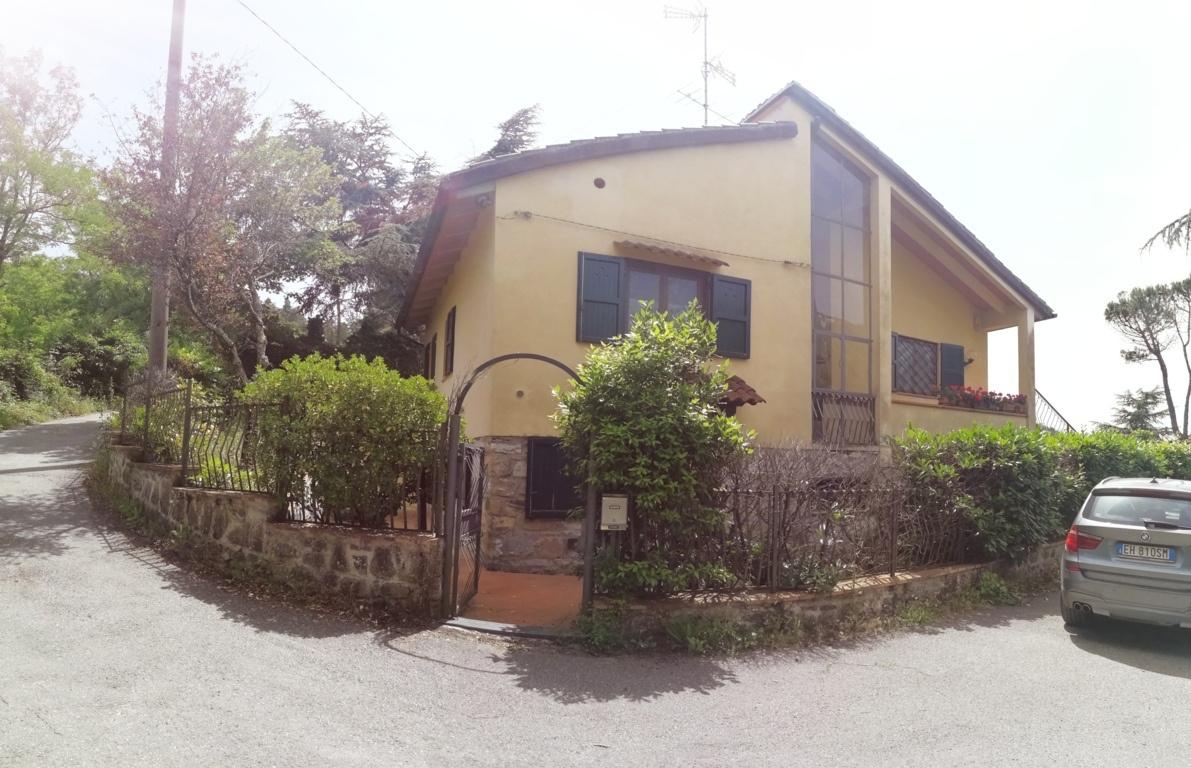 Appartamento da ristrutturare in vendita Rif. 9846564