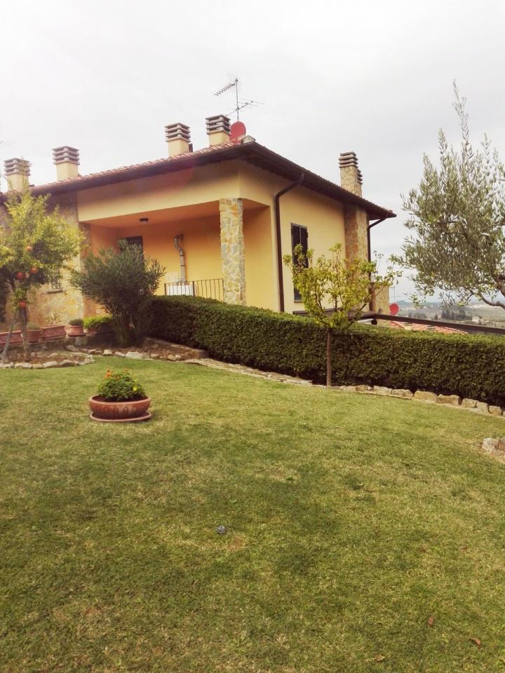 Casa Indipendente da ristrutturare in vendita Rif. 9893937